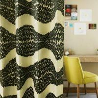 14285|ブラック&グレーの葉っぱ柄プレミアムカーテン